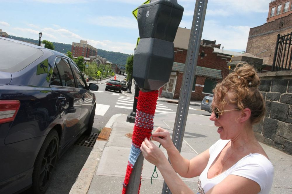 Yonkers Yarn Bombing | SarahDivi.com  | Photo by Lester Millman